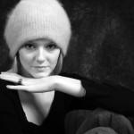 woman_in_knit_hat